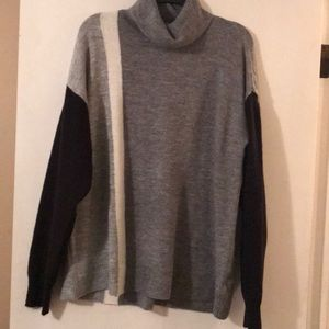 Liz Claiborne soft turtleneck